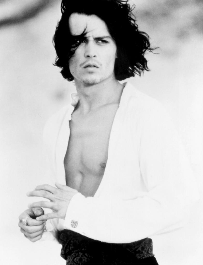 Johnny Depp na época em que gravou o filme 'Dom Juan de Marco' (Foto: Divulgação)