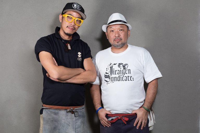 Na cozinha do Jojo Ramen: o mestre Koitani com o assistente Shima