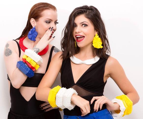 Julia Petit e Mariah Rovery lançam parceria e primeira coleção de bijus