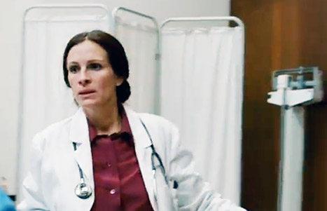 Julia Roberts interpreta uma médica no filme