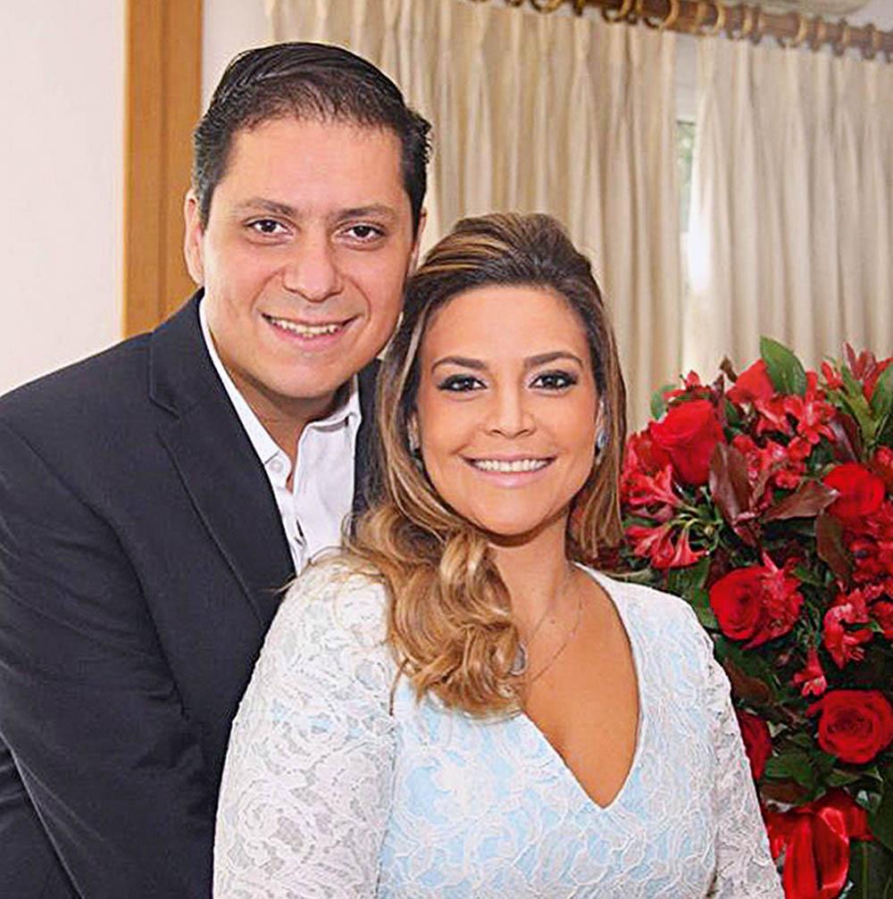 Maluhy e Roberta: 270 000 reais no bufê da festa (Foto: Reprodução/Facebook)