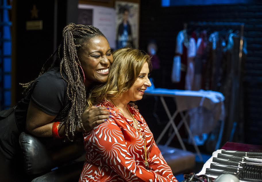 """""""Sexo e as Negas"""": Karin Hils e Bia Nunnes no seriado da Globo (Foto: Divulgação)"""