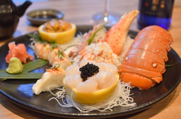Opção do cardápio: sashimi de frutos do mar