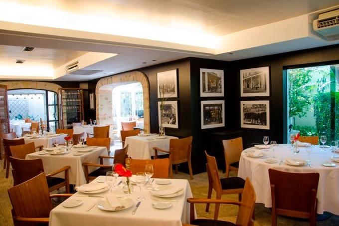 Salão do premiado restaurante francês: fechado até a semana que vem
