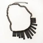 Colar preto: R$ 90,00
