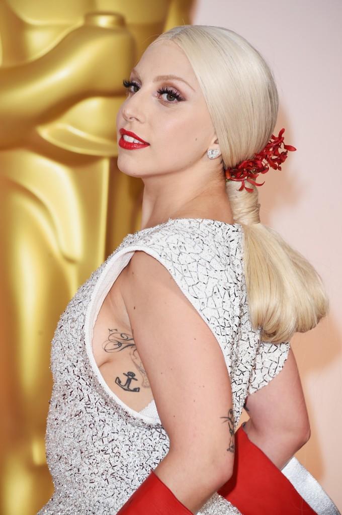 Detalhe da produção de Lady Gaga (Foto: Reprodução)