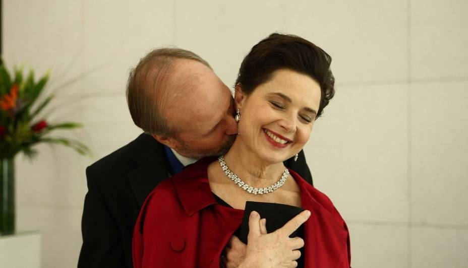 William Hurt e Isabella Rossellini em Late Bloomers: interpretações de peso
