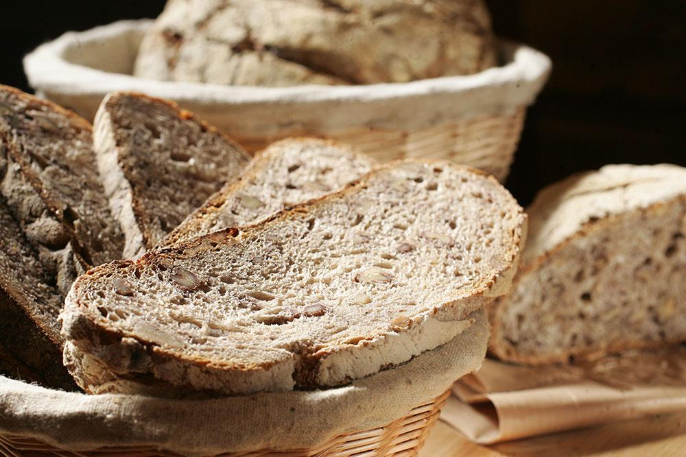 Pão de nozes: meia porção custa R$ 12,00 e serve duas pessoas (Foto: Fernando Moraes)