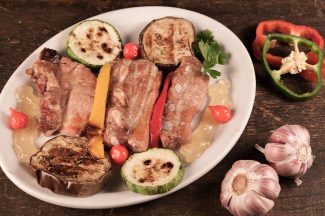 Leporace Grill e Bar_Tirinha Suina com Legumes Grelhados_Sao Paulo 2016