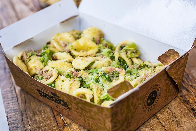 O orecchiette vem ao molho de parmesão, brócolis e linguiça e compõe o quarteto de massas do menu