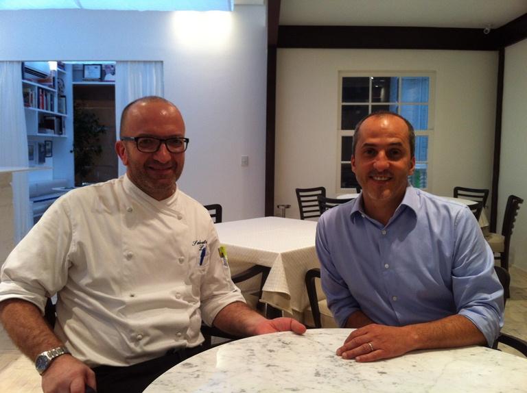 Loi e Trevisani: um cuida da cozinha e o outro do atendimento (Fotos: Arnaldo Lorençato)