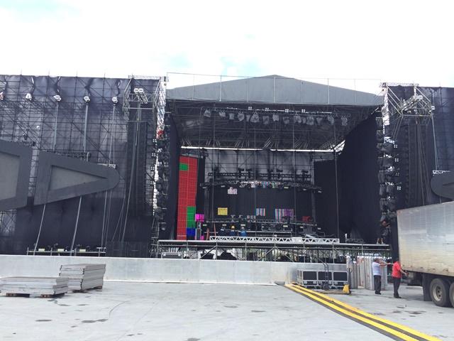 Música eletrônica: em vez de tenda, um palco