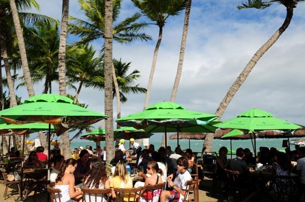 Lopana: entre o mar cor de esmeralda de Ponta Verde e prédios residenciais de luxo (foto: Leo Caldas)