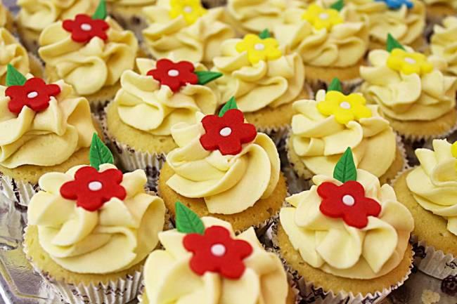 Confeitaria da Luana Davisohn - cupcakes de primavera