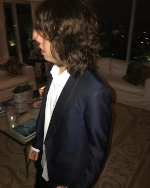 Lucas Jagger: a cara (e o cabelo) do pai (Foto: Reprodução)