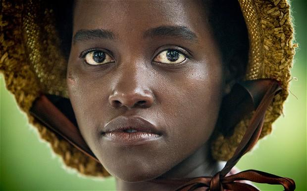 Lupita é filha de quenianos e concorre por 12 Anos de Escravidão