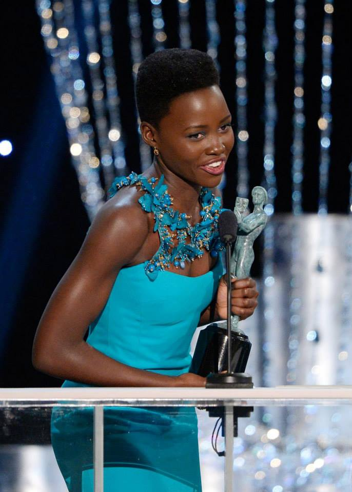 Lupita Nyong'o correu na frente de Jennifer Lawrence e ganhou como melhor atriz coadjuvante
