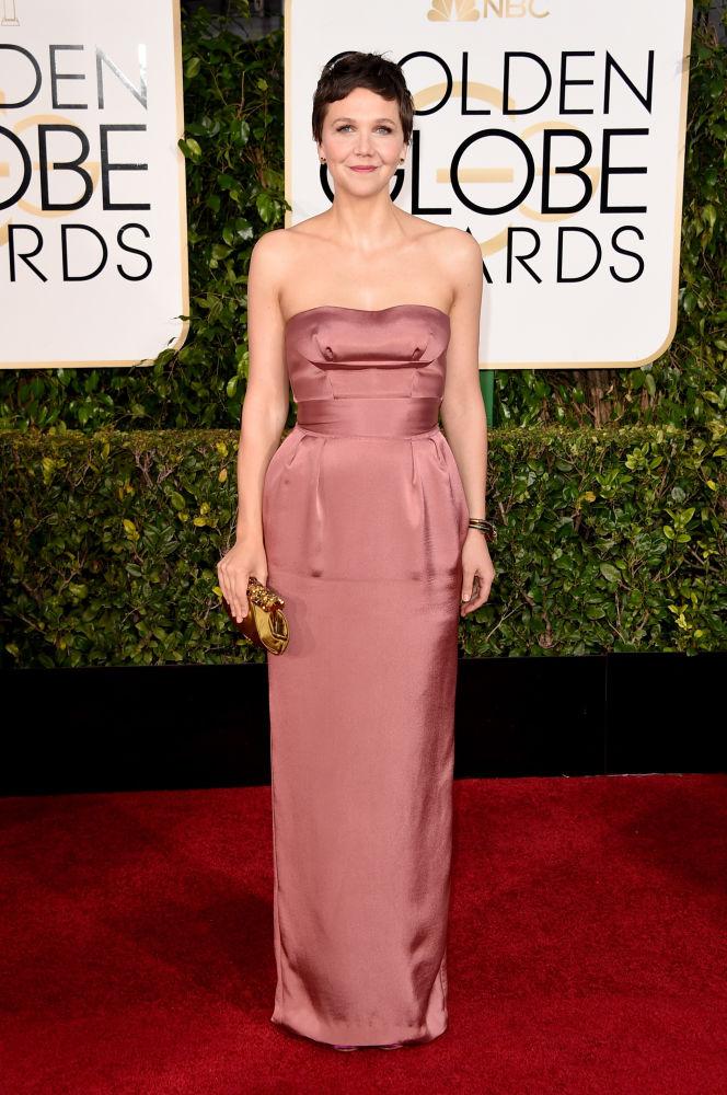 Maggie Gyllenhaal com vestido Miu Miu (Foto: Reprodução/Fashionista)