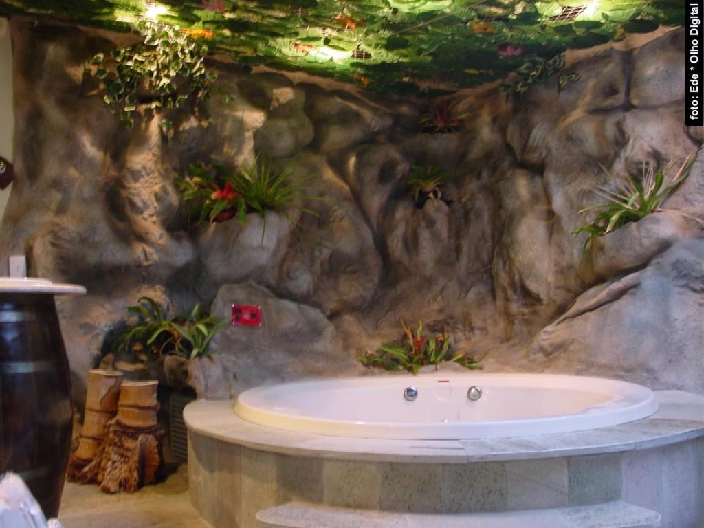 """A banheira do """"quarto safari"""""""
