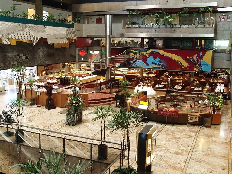 Lobby do hotel: onde funcionam o Brasserie Bela Vista e o La Cuisine du Soleil, que vão desaparecer