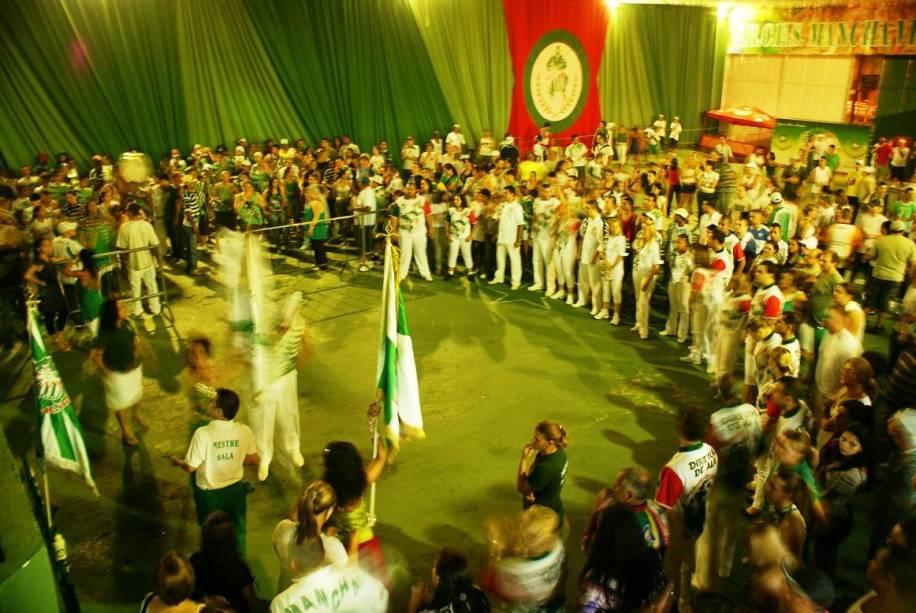 Ensaio da escola de samba Mancha Verde