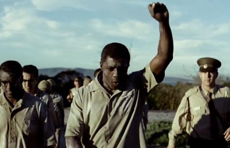 Idris Elba em Mandela: Long Walk to Freedom