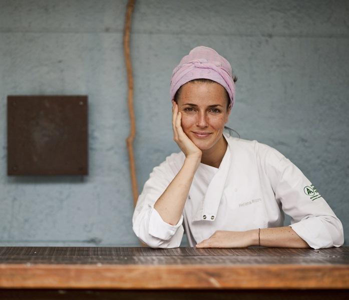 Helena Rizzo, do Maní: prepara crumble de maçã e copinho divertido de doce de leite, merengue, iogurte e frutas vemelhas em aulainfantil