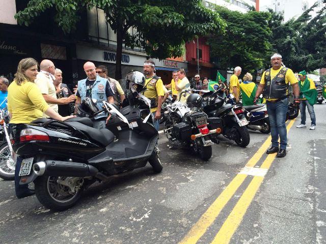 Manifestacao - motoqueirosWEB