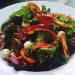 Salada maní: clássico do restaurante de Pinheiros