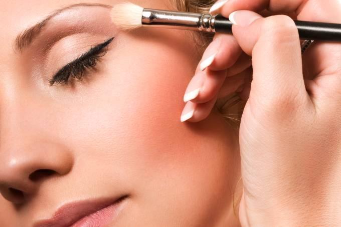 maquiagem-de-dia_thinkstock