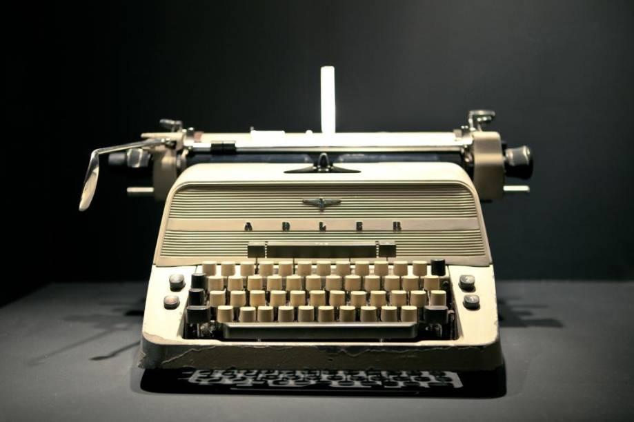 Máquina de escrever Adler, objeto original usado em cena de O Iluminado