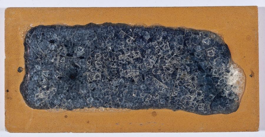 Maria Martins, Composição (abstrata), 1948; cerâmica industrial esmaltada