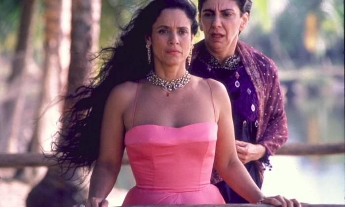 Com Sonia Braga, na versão para o cinema de Tieta do Agreste