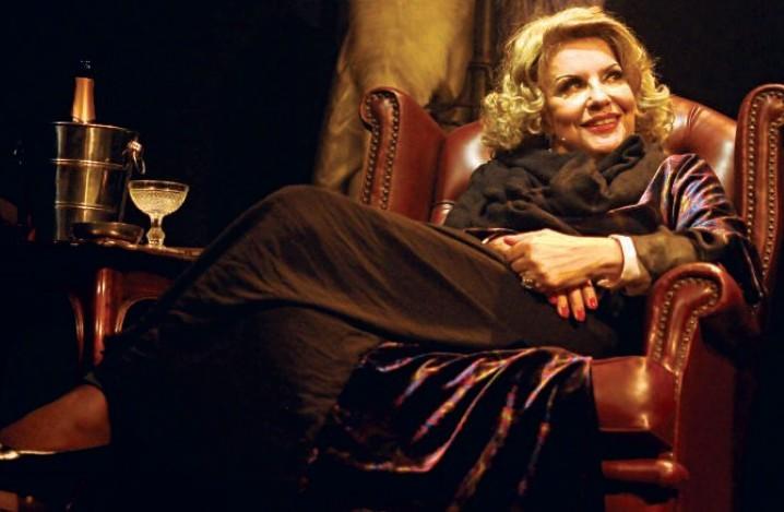 Biografia em tom musical: Sylvia Bandeira protagoniza Marlene Dietrich — As Pernas do Século