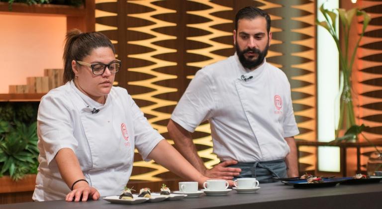 Apresentação dos pratos para os jurados: tensão