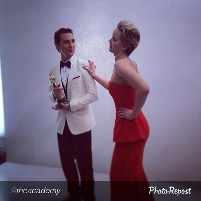 Matthew levou o Oscar e Jennifer ficou a ver navios