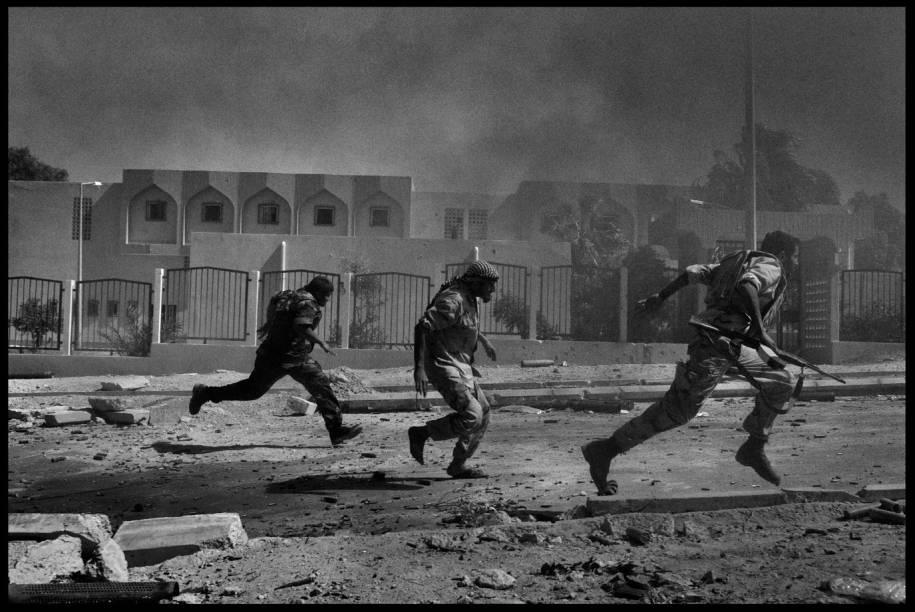 Libya Hurra: registro do foto-jornalista Maurício Lima nos últimos dias de Muamar Kadafi