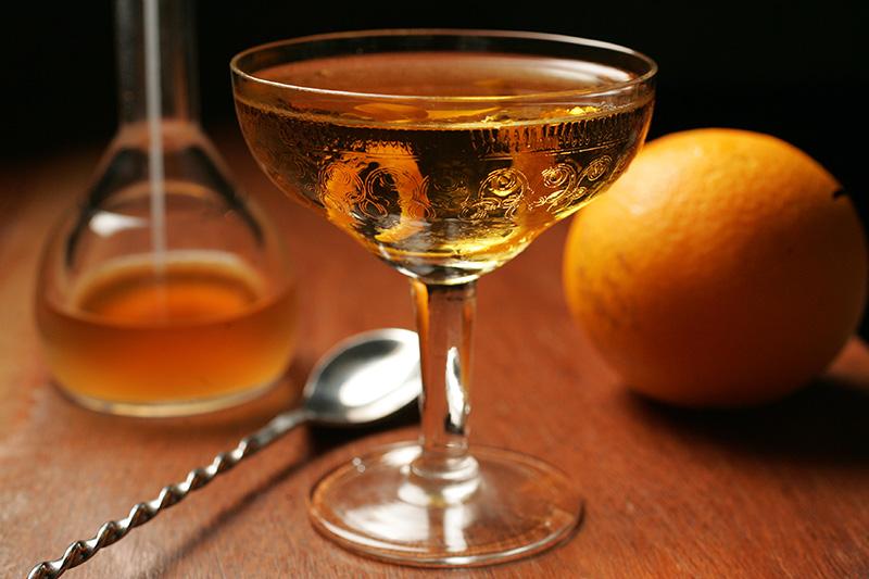 Maximus: mistura leva vodca, digestivo de ervas Amaro Nonino e bitter de laranja ao cardamomo