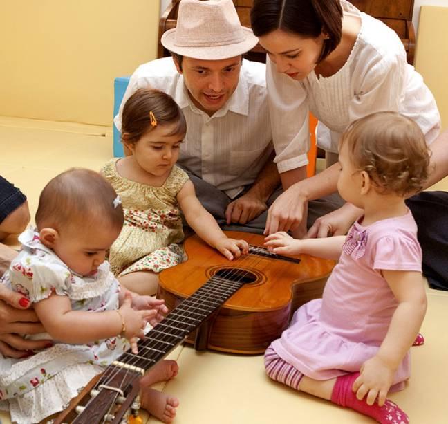 Baby Arts: iniciação musical com instrumentos