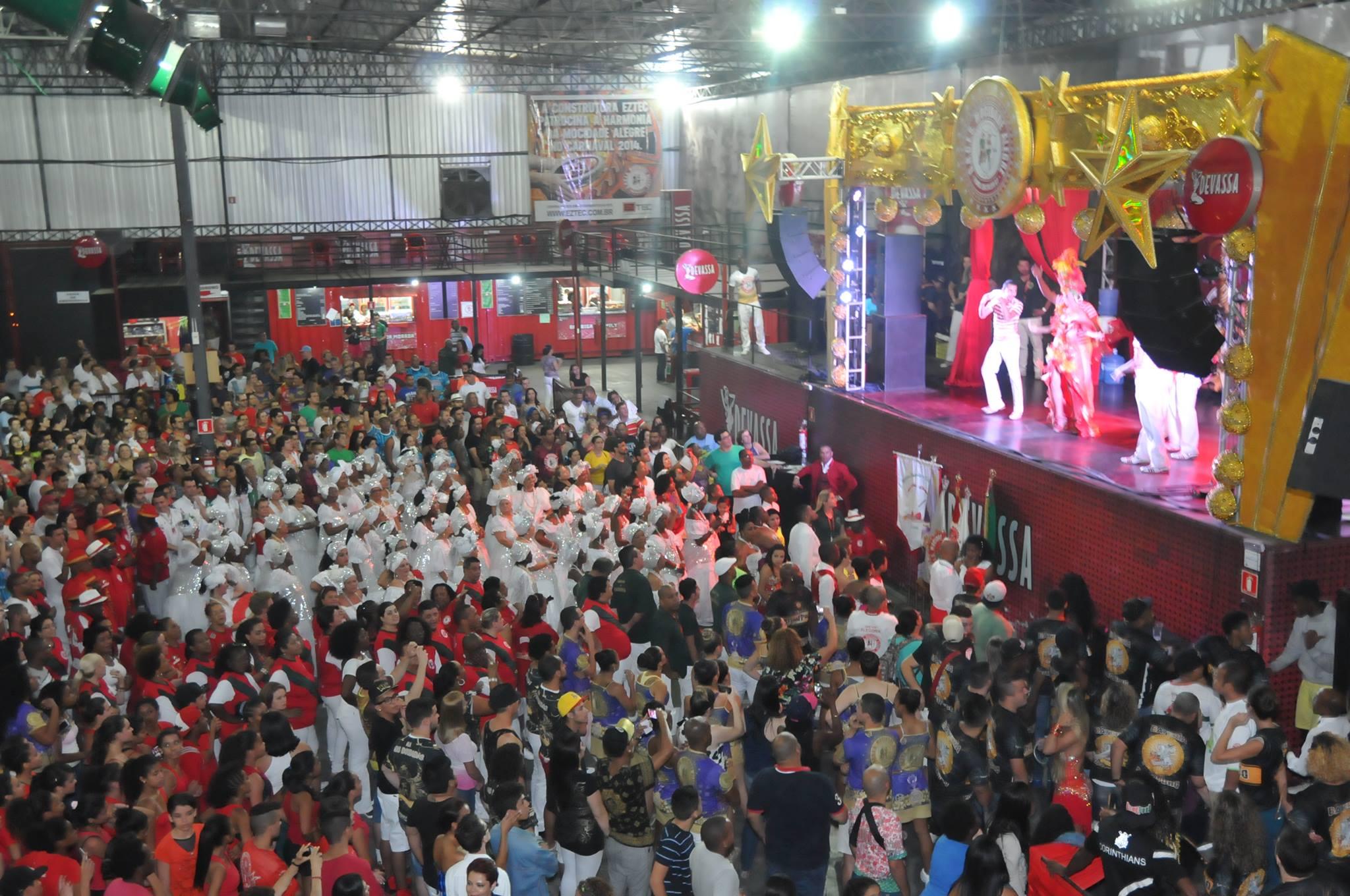 A tricampeã Mocidade Alegre: ambiente familiar e organização. (Foto: Divulgação)