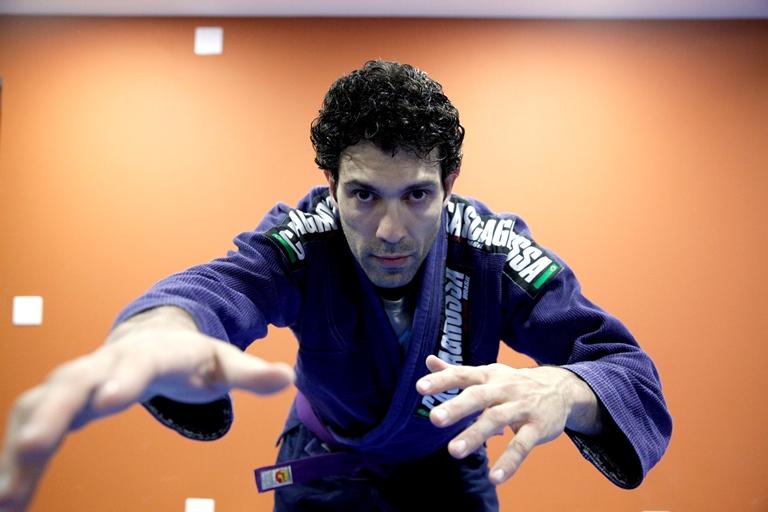Oliveira: treino de jiu-jitsu duas vezes por semana (Foto: Adriano Conter)