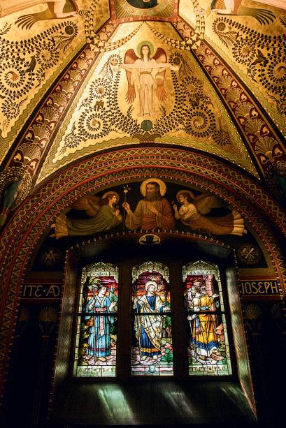 Vitrais da Capela do Santíssimo, dentro doMosteiro de São Bento