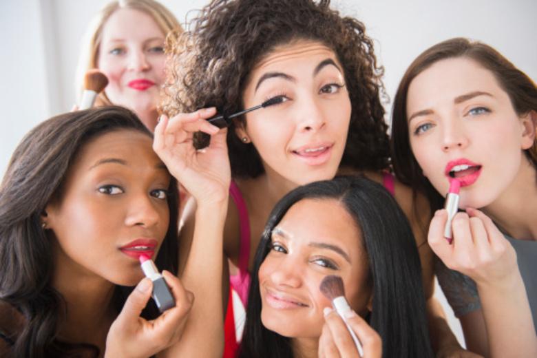 mulheres-maquiagem
