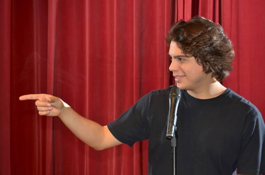 Murilo Gun: piadas no Segundas Cômicas no Ao Vivo Bar