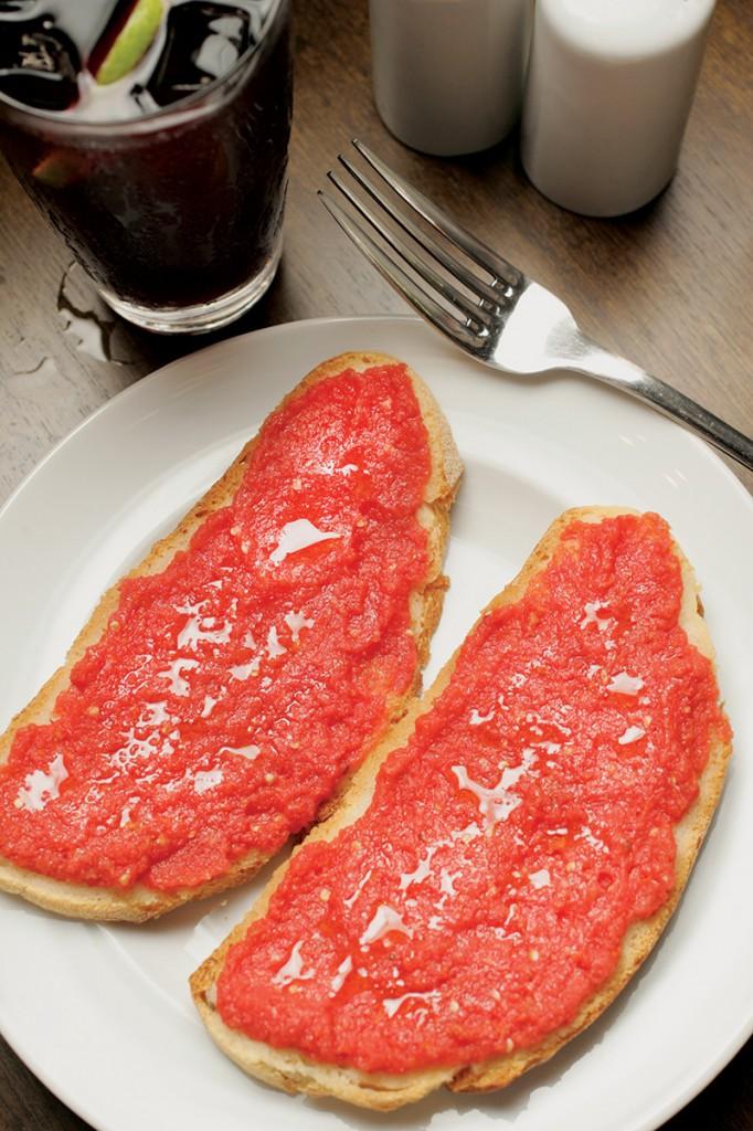 Pão com tomate do Museo Verônica: R$ 8,50 a porção (Foto: Fernando Moraes)