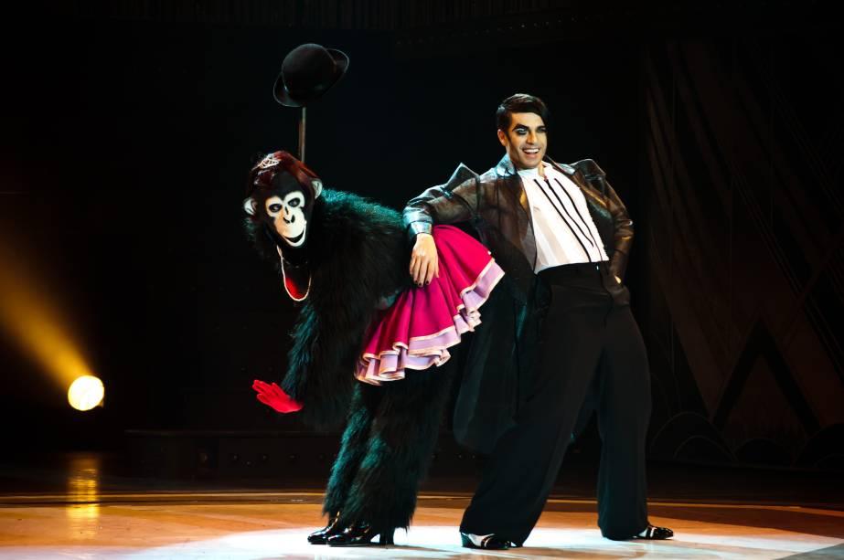Jarbas Homem de Mello é o mestre de cerimônias do espetáculo Cabaret