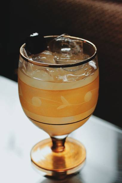O drinque fish house punch, do MyNY Bar