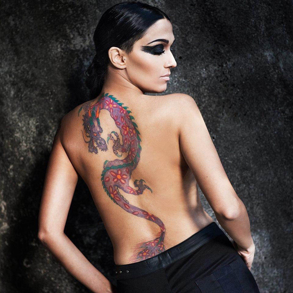 """A autora Nalini Narayan, 35 anos, 1,60m e 50 quilos: """"Sou miúda e faço sucesso com as mulheres"""""""