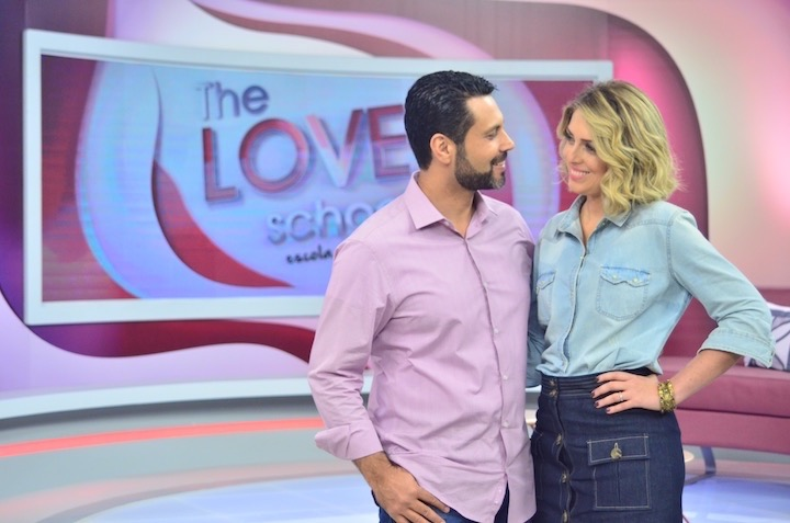 "O casal apresenta ""The Love School"", na Record"