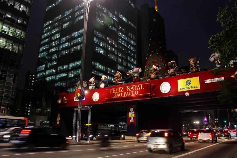 Palco: montado sob na Avenida Paulista